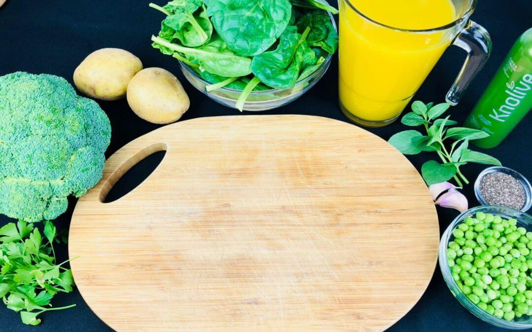 Receta de Crema detox de Brócoli, Guisantes, Espinacas y Chía con Aove Knolive Epicure